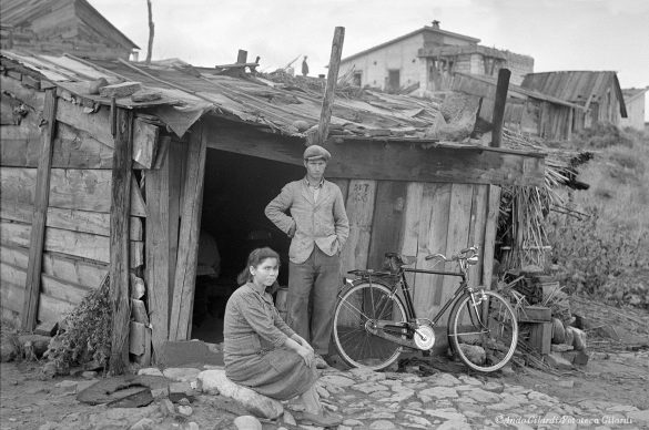 Ando Gilardi, Serie ABITARE A CROTONE, Crotone, 1954-1956 © Ando Gilardi/Fototeca Gilardi