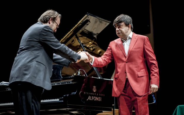 Elio-con-il pianista-Prosseda