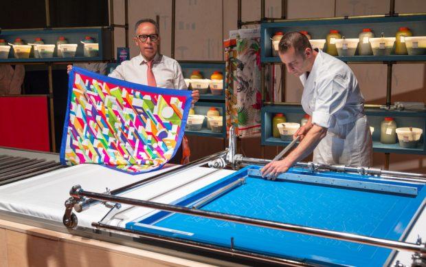 """Hermès - Mostra """"Dietro le quinte"""": stampatore su seta, Museo dell'Ara Pacis, Roma"""