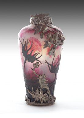 Daum Frères, Vase camée, 1900 ca. Vetro con montatura d'argento, 22,5x12 (diametro) cm, Private collection, London