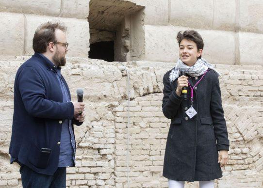 """Nicolas Ballario con Federica Belli, vincitrice dell'ultima edizione di Master of Photography, all'incontro """"Il fotografo è un autista. E Master of Photography è un Gran Premio"""", parte del programma di Fotografia Europea, che si è tenuto a Reggio Emilia sabato 13 aprile"""