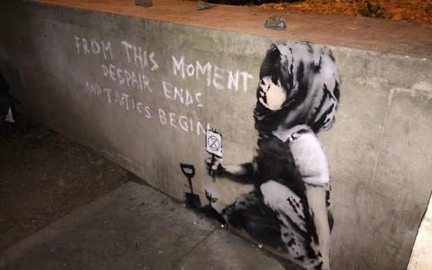 Banksy street art Londra Marble Arch Extinction Rebellion