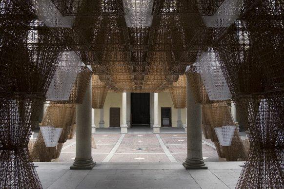 Arthur Mamou-Mani per COS, Conifera, Palazzo Isimbardi, Milano Design Week 2019. Courtesy of COS