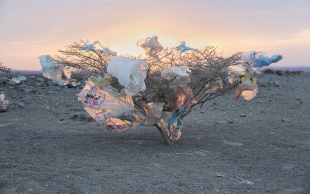 JOHN STANMEYER mostra Planet or Plastic National Geographic