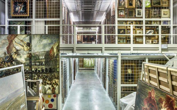 Mauro Fiorese, Treasure Rooms di Ca' Pesaro - Venezia, 2015, stampa ai pigmenti su carta cotone, Courtesy Boxart, Verona