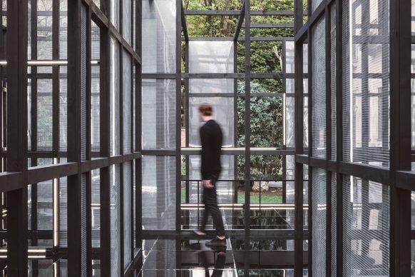 Piero Lissoni per Living Divani, Veduta di Living Divani 50+30 Exhibition - The Uncollected Collection, Palazzo Crivelli, Milano Design Week 2019