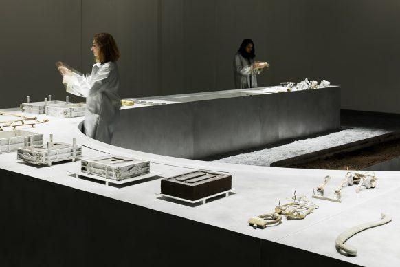 Tsuyoshi Tane per UNION CORPORATION, One Design – One Handle, Torneria Tortona, Milano Design Week 2019