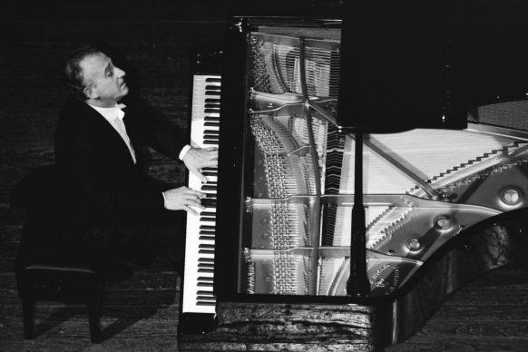 Maurizio Pollini, Teatro alla Scala, Milano 1992 © Lelli e Masotti / Lelli e Masotti Archivio