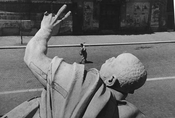 Federico Patellani, Roma, piazza Navona, 1945 © Studio Federico Patellani  Regione Lombardia / Museo di Fotografia Contemporanea, Milano-Cinisello Balsamo