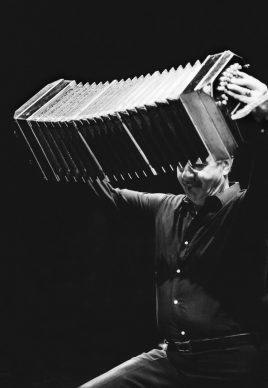 Astor Piazzolla, Teatro Nuovo, Milano 1985 © Lelli e Masotti / Lelli e Masotti Archivio