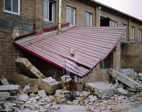Liu Bolin, Suojia Village, 2005. Courtesy: Boxart, Verona