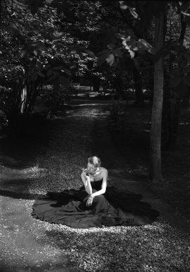 Federico Patellani, Monza, 1948, Moda alla Villa Reale © Studio Federico Patellani Regione Lombardia / Museo di Fotografia Contemporanea, Milano-Cinisello Balsamo