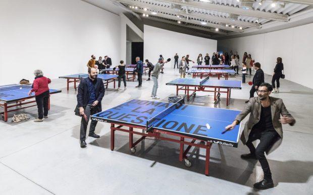 Rirkrit Tiravanija Senza titolo (il domani è la questione) / Untitled (Tomorrow Is the Question) 2019 Vinile su set di 8 tavoli da ping pong e racchette / Vinyl on set of 8 ping pong table and paddles Dimensione di ciascuno / Each Size: 76 x 274 x 152.5 cm. (29.92 x 107.87 x 60.04 in.) Courtesy of the artist and kurimanzutto, Mexico City Veduta della mostra al / Exhibition view at Centro per l'arte contemporanea Luigi Pecci, Prato, 2019. Photo©Ela Bialkowska / OKNO Studio