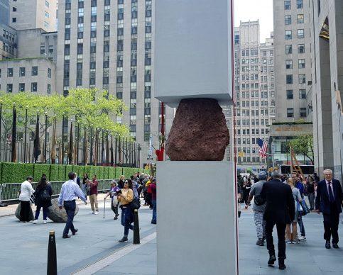 Frieze Sculpture, installation view, Rockefeller Center, New York, maggio 2019, photo by Massimiliano Tonelli / Artribune