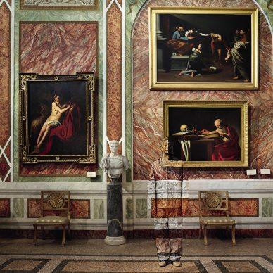 Liu Bolin, Sala di Caravaggio, Galleria Borghese, Roma, 2019. Courtesy: Boxart, Verona