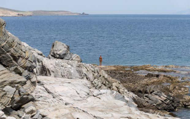 SIGHT | ANTONY GORMLEY, Archaeological site of Delos, 2019 | © Oak Taylor Smith | Courtesy NEON; Ephorate of Antiquities of Cyclades & the artist