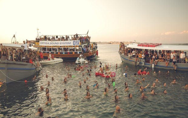 Boat concert Jon Bronxl Ortigia Sound System Festival