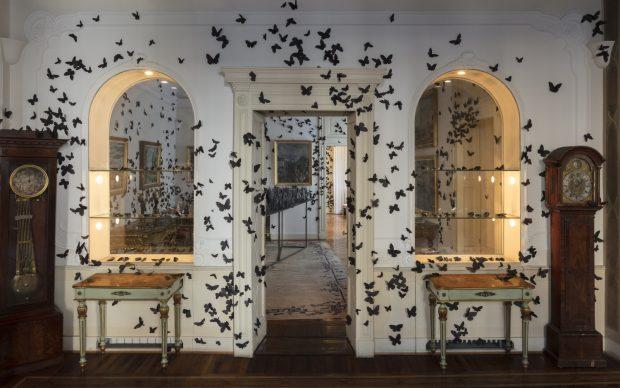 Carlos Amorales, Black Cloud, 2007-2019, installazione, dimensioni ambientali, Fondazione Carlo Pini, Milano