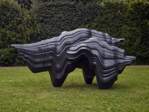 Tony Cragg, Caught Dreaming, 2006, bronzo, Fotografia di Michael Richter © l'artista