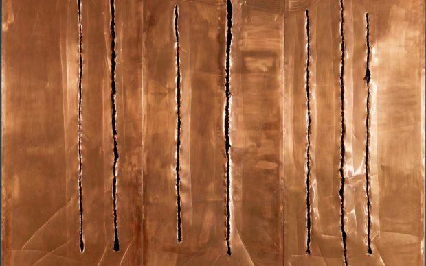 Lucio Fontana (1899–1968) Spatial Concept, New York 10 (Concetto Spaziale, New York 10), 1962 Copper with slashes and scratches, 3 panels 94 × 234 cm Fondazione Lucio Fontana, Milan © Fondazione Lucio Fontana, Bilbao, 2019