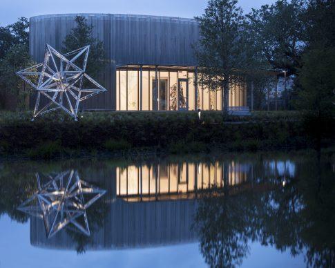 The Sydney and Walda Besthoff Sculpture Garden Expansion at the New Orleans Museum of Art, Sculpture Pavilion. Left: Frank Stella, Alu Truss Star, 2016. Photo Credit: Richard Sexton