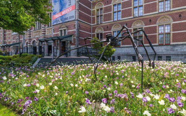 Louise Bourgeois 'Spider' 1996, Easton Foundation. Photo: Antoine van Kaam © The Easton Foundation/Pictoright, Amsterdam