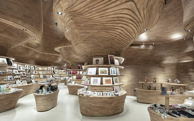 Koichi-Takada-Architects_Interiors-of-National-Museum-of-Qatar_Gift-Shop_photo-by-Tom-Ferguson