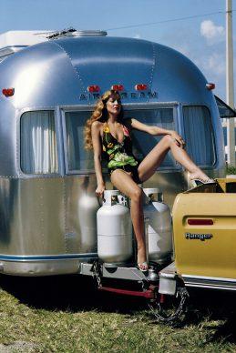 Helmut Newton, Jerry Hall, American Vogue, Miami, Florida, 1974 © Helmut Newton Estate