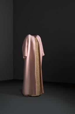Conjunto de noche de abrigo y vestido, 1962. Cristóbal Balenciaga Museoa, Getaria