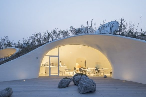 OPEN Architecture, UCCA Dune Art Museum,  Qinhuangdao, China 2015 - 2018. Photo by WU Qingshan, TIAN Fangfang, NI Nan, Zaiye Studio
