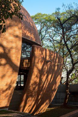 Bhau Institute of Innovation, Entrepreneurship & Leadership by Shibanee & Kamal Architects. Photo credit:  © Shibanee & Kamal Architects