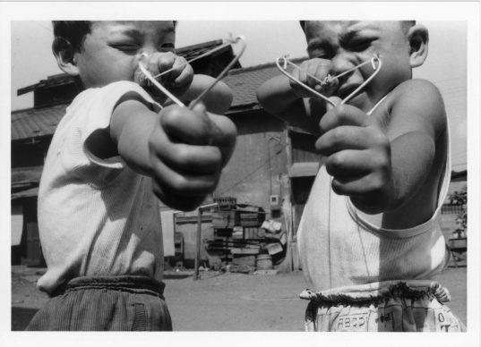 Satchin and his brother Mabo, 1963-1965 ©Nobuyoshi Araki