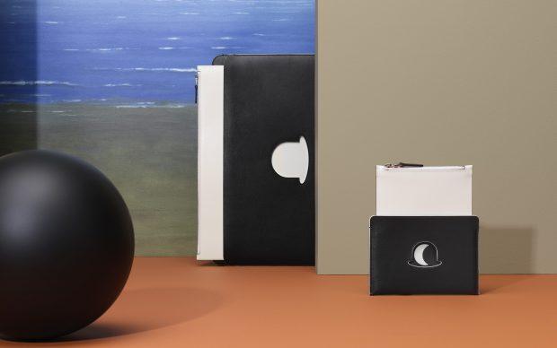 DELVAUX_Magritte Collection_Pochette-A4-Trompe-l'Œil-Chapeau-Melon-PCA-Trompe-lŒil-Chapeau-Melon-Noir-Ivory