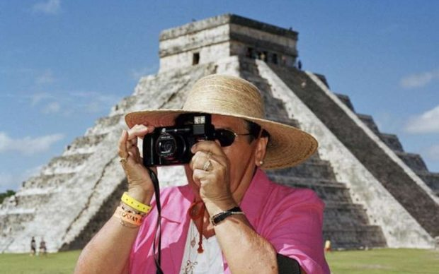 Martin Parr: Chichen Itza, Mexico 2002 © Martin Parr / Magnum Photos