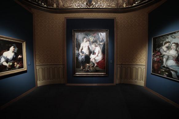 """Vista dell'allestimento della mostra """"Brueghel. Maravillas del arte flamenco"""". Photo © Jesús Varillas, courtesy Arthemisia"""
