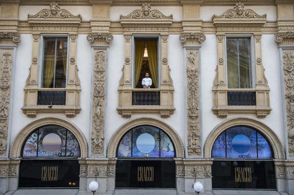 """Milano, Ristorante Cracco: vista dell'opera """"Through a day"""" di Giovanni Ozzola. Photo Carmine Conte"""