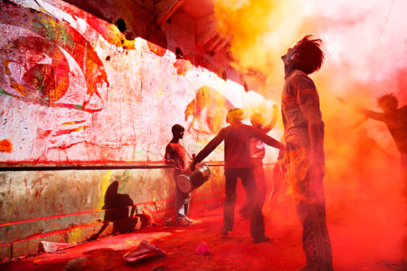 JR, 28 Millimeters, Women Are Heroes, Action in Jaipur, Holi Fest, India, 2009. Color lithograph. © JR-ART.NET