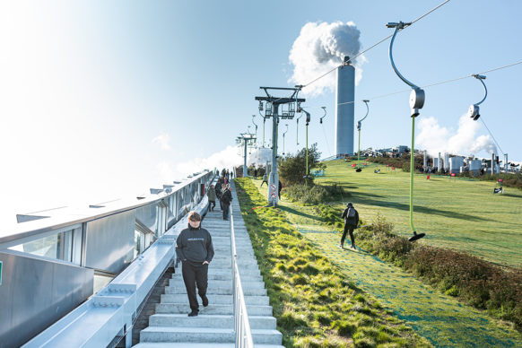 Bjarke Ingels Group, CopenHilll - Amager Bakke, Copenhagen. Photo Ehrhorn Hummerston