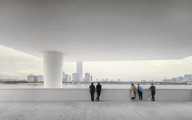 David Chipperfield Architects, West Bund Museum Shanghai. View to the Huangpu river © Simon Menges
