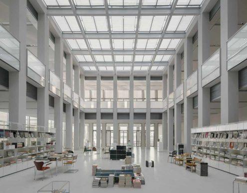 David Chipperfield Architects, West Bund Museum Shanghai. Foyer © Simon Menges