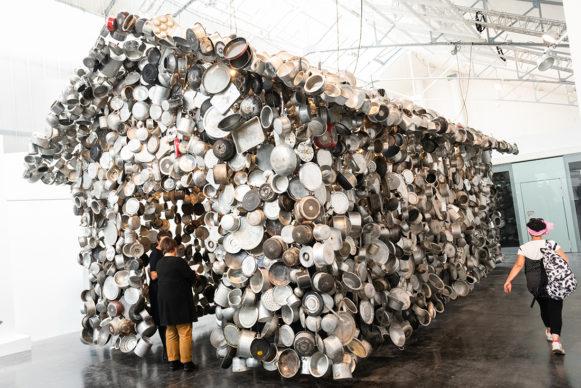 Subodh Gupta, Cooking the world © Sébastien Laval