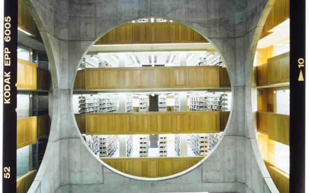 Louis Kahn, Phillips Exeter Library in New Hampshire, photo Roberto Schezen