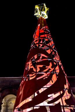 Firenze, Piazza SS Annunziata: l'albero di Natale di  Domenico Bianchi per F-Light - Firenze Light Festival 2019. Photo Andrea Paoletti
