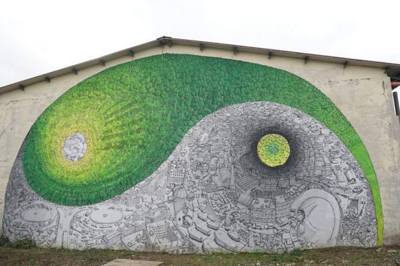 L'opera di Blu per il progetto MondeggiArte, Bagno a Ripoli, Firenze. Foto Sabina Gala