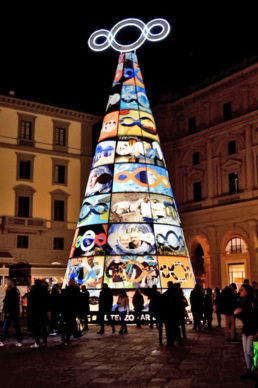 Firenze, Piazza della Repubblica: l'albero di Natale di Michelangelo-Pistoletto per F-Light - Firenze Light Festival 2019. Photo Andrea Paoletti