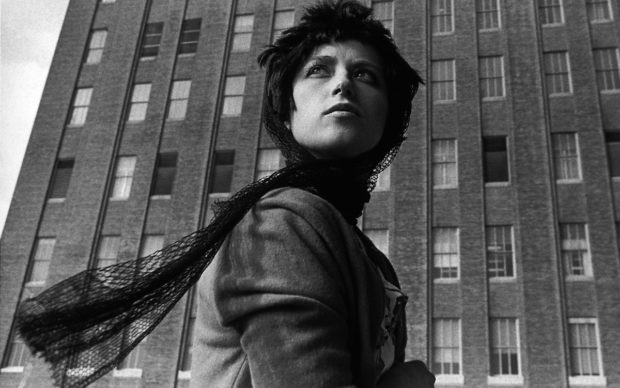 Cindy Sherman, Un Untitled Film Still #58, 1980. Silbergelatineabzug, 67,5 x 100,5 cm. KUNSTMUSEUM WOLFSBURG. Courtesy of the artist and Metro Pictures, New York