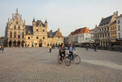Grote Markt Mechelen - Fiandre. Foto flickr.com/photos/visitflanders