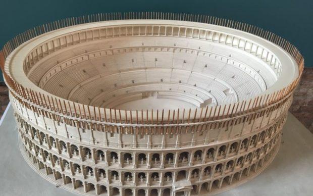 Anfiteatro Flavio, Colosseo (Roma). Civis Civitas Civilitas, Mercati di Traiano, Roma 2019, Via Artribune
