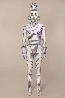 Costume de Jérôme Kaplan pour « Casse-Noisette Circus », chorégraphie de Jean-Christophe Maillot. Les Ballets de Monte-Carlo, 1999. Prêt Les Ballets de Monte-Carlo. © CNCS / Florent Giffard