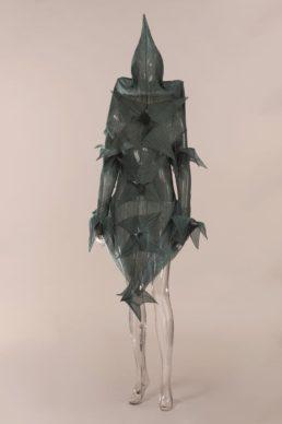Costume d'Issey Miyake pour «Loss of small detail», chorégraphie de William Forsythe. Ballet de Frankfort, 1991. Prêt Forsythe Productions. © CNCS / Florent Giffard